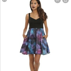 Hot Topic galaxy skater dress pockets fit flare